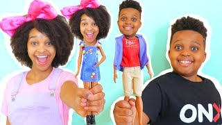 Download Shiloh and Shasha TURN INTO TOYS!? - Onyx Kids Video