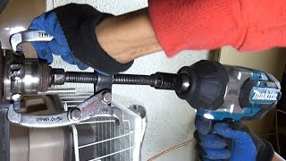 Download Makita DTW1002 / XWT08 impact wrench review Video