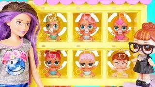 Download Neon QT Visits Skipper Barbie Pets Shop + Lil Sisters lost - Confetti Pop Season 2 Episode Unboxed! Video