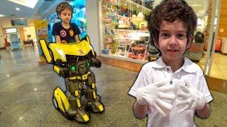 Download Paulinho vira um ROBÔ e anda de Jato na Busca da Roupa do Toquinho para a Apresentação Escolar Video