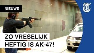 Download Exclusief kijkje in kluis vol bizarre wapens Video