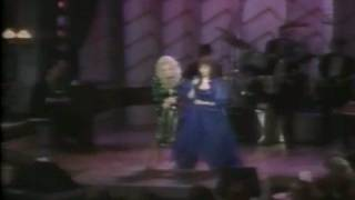 Download DOLLY PARTON & LORETTA LYNN- SING A MEDLEY OF LORETTA'S HITS Video