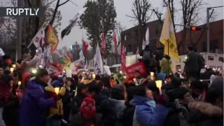 Download Más de un millón de manifestantes marchan contra la presidenta surcoreana en Seúl Video