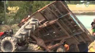 Download VTC14 Cảnh giác nguy hiểm từ xe công nông Video
