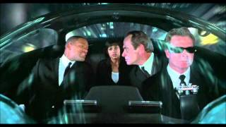 Download Men in Black II ″What is a Gameboy″ Video