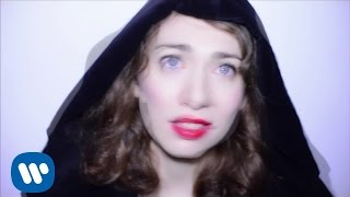 Download Regina Spektor - The Trapper and the Furrier Video