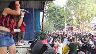 Download KALUA - Ngayal Lagi Live Taman Topi Bogor Video