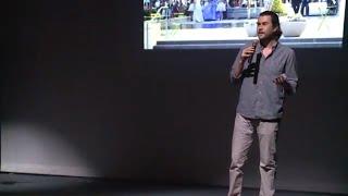 Download SELFIES: Una aproximación geográfica | León Staines | TEDxGarzaGarcia Video