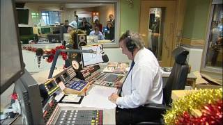 Download Sir Terry Wogan signs off on his breakfast show Video