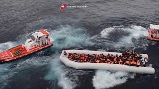 Download Warnschüsse auf Flüchtlingsboote Video