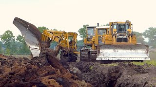 Download World's biggest plow | Deep ploughing | Caterpillar D8H /E /D6R 650HP | Bijker diepploegen Video