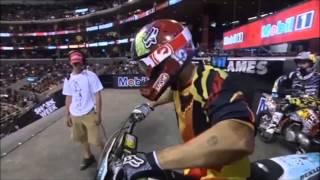 Download Acidentes Incriveis de Motocross Freestyle Video