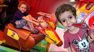 Download Toquinho no Médico e Paulinho no Parquinho de Jogos para Crianças Video