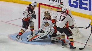 Download Ducks miss great chance, Predators score moments later thanks to a bad bounce Video