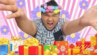 Download Ang DAMi kong binuksang REGALO (YAYAMANIN ang Cadenators) Video