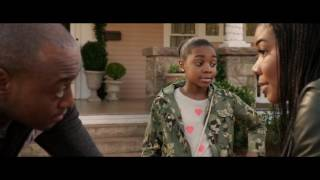 Download Almost Christmas clip - Malachi Greets Rachel And Her Daughter Video