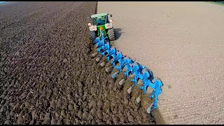 Download Ploughing w/ John Deere 8360R & 9 furrow Lemken Diamant 12 | ERF B.V. | Pflügen Video