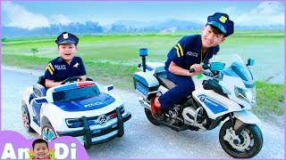 Download Andi Unboxing and Assembling Power Wheels Police Cars Motorcycles Toys for Kids Video