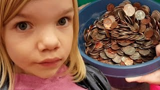 Download Coinstar cash in Bucket of coins, how much will it be? Video