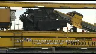 Download ProRail verbetert spoor met spectaculaire trein Video