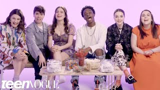Download The Cast of ″Booksmart″ Plays I Dare You | Teen Vogue Video