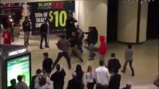Download Black Friday 2016 - Violent Fight Between Shoppers at Modesto Mall Video