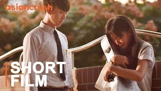 Download A Chinese girl confronts a rude boy who turns out to be his twin brother   Chinese Short Film Video