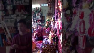 Download Đồng thầy Hán Thanh Tâm khai đàn mở phủ xuất thủ trình đồng cho tân đồng họ Nguyễn tại đền Mẫu thoải Video