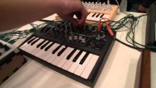 Download MESSE 2015: Awesome Arturia Beatstep Pro Demo Video