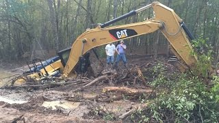 Download Stuck Trackhoe Excavator Buried Rental Disaster Caterpillar Part 1… Video