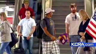 Download Wounded Veteran Greeted At Airport Video