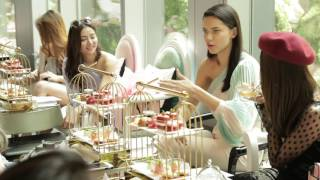 Download Victoria's Secret Angel Adriana Lima in Singapore Video