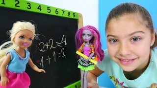 Download Barbie ailesi ile oynuyoruz. Okul oyunu Video