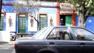 Download Univision News - Frida Kahlo's Closet is Opened 58 years After Her Death Video