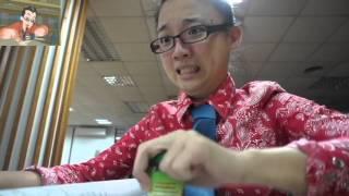 Download 飛哥與小佛-我抓不到節奏(中文版)真人翻拍 Video
