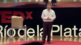 Download Mover materia en el espacio | Andrei Vazhnov | TEDxRiodelaPlata Video