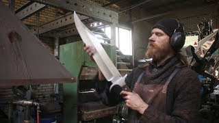 Download Forging a gigantic Bowie sword, the complete movie. Video