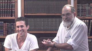 Download מיוחד: סיפורו של לוחם הטאקוונדו שלומד בניין אמונה Video
