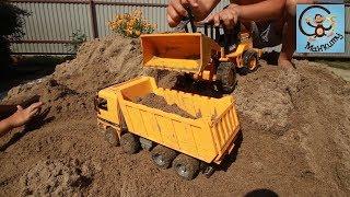 Download Машинки игрушки, болота и строим бассейн. МанкиТайм Video