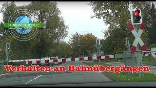 Download Verhalten an Bahnübergängen - Fahrstunde - Prüfungsfahrt - Führerschein Video