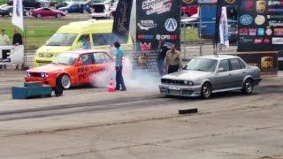 Download BMW E30 325ix Turbo vs BMW 320i E30 4.4 1/4 mile drag race Video