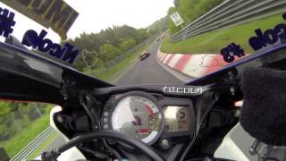 Download Nurburgring 02-06-2013 - Suzuki GsxR 750 K8 Vs Ferrari 458 Italia lap1 [HD Hero3 60fps] Video