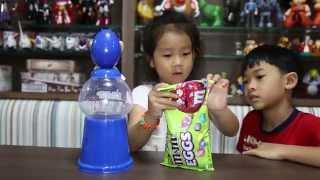 Download เด็กจิ๋วกับ M&M Easter Eggs [N'Prim W272] Video