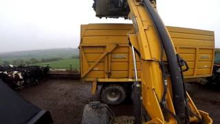 Download Loading muck with jcb 310s Video