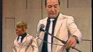 Download Chasman y Chirolita (12-09-1987) Badía y Compañía Video