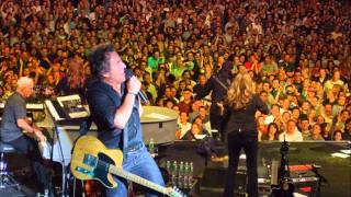 Download Bruce Sprigsteen - Out in the Street - live NYC 2000 Video