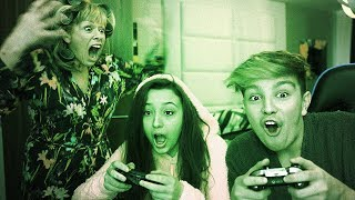 Download Kids get caught playing Fortnite at 3am, Mom freaks out… Video
