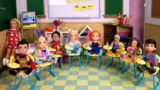 Download School started ! Elsa and Anna toddlers - first day - new students - Barbie is teacher - classroom Video