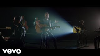 Download Dierks Bentley - Hold The Light (From ″Only The Brave″ Soundtrack) ft. S. Carey Video