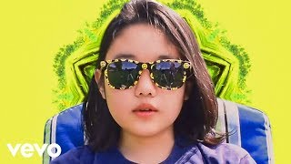 Download Superorganism - Everybody Wants To Be Famous Video